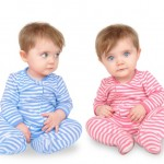 differences between identical and fraternal twins